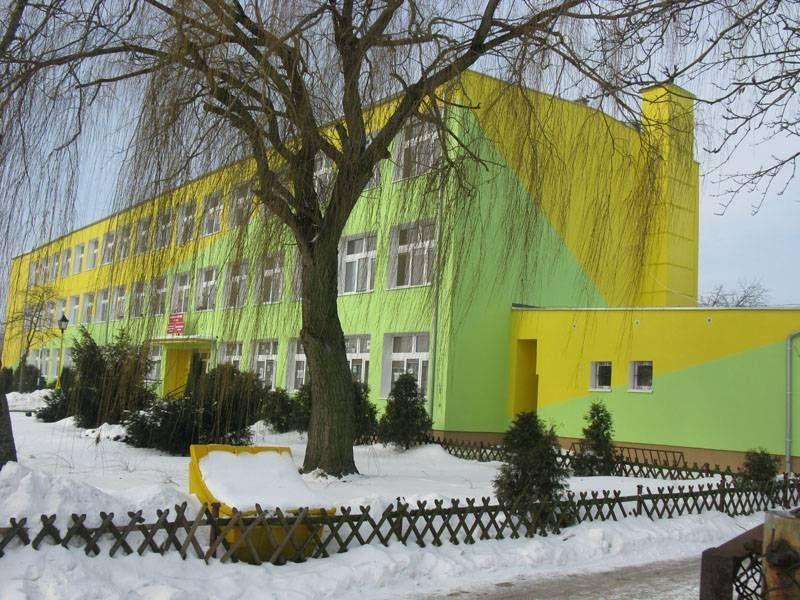 Zielono żółty budynek 1