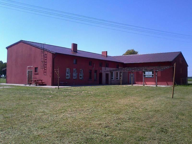 Czerwony budynek